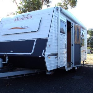 Montana Carvans Burghley 16ft internal